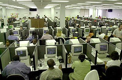 Nos call-center abunda a precariedade e os contratos a prazo