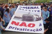 Durante décadas palco de lutas laborais e movimentos de resistência anti-capitalista, o Arsenal do Alfeite esteve novamente em luta em 2008, talvez a mais dura luta da sua história, pois em causa estava a sua sobrevivência.