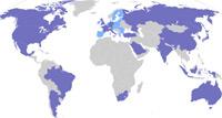 As áreas cinzentas do mapa (nomeadamente quase toda a África) não tem representação no G20