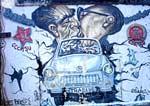 Veja os grafittis no muro de Berlim