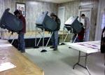 Máquinas de voto electrónico nos EUA. Foto de an0nymUSmuse, FlickR