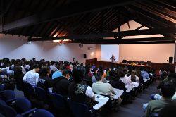Trezentos alunos ouviram Miguel Portas em Salvaterra. Foto de Paulete Matos