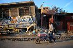 Destruição no Haiti. Foto de newbeatphoto, FlickR