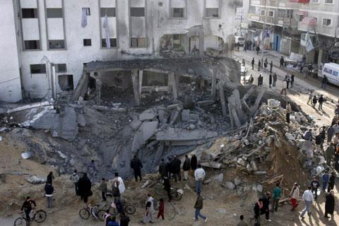 Mesquita Alshefaa destruída pelos bombardeamentos israelitas - Foto da Lusa
