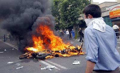 Oposição acusa o regime iraniano de falsear os resultados das eleições - Foto: Lusa