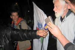 Uri Avnery em manifestação contra a guerra a Gaza - 3 de Janeiro de 2009
