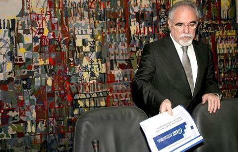O Ministro do Trabalho e da Solidariedade Social, Vieira da Silva. Foto de MIGUEL A. LOPES / LUSA