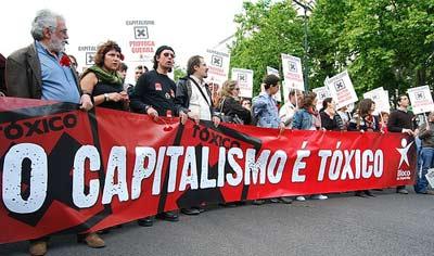 Bloco diz que a solução está numa política de crescimento que crie  emprego, recupere o salário e permita poupanças. Foto Ana  Candeias/Flickr