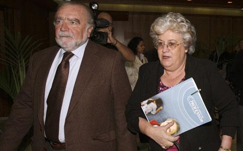 Manuel Alegre e Maria do Rosário Gama são dois do sparticipantes no Fórum sobre Democracia e Serviços Públicos, que se realiza este Domingo em Lisboa. Foto de arquivo da Lusa