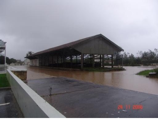 O mau tempo afectou desastrosamente a região do Oeste, causando prejuízos na ordem dos 15 milhões de euros. Foto C.M. Bombarral