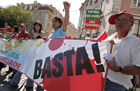 Dezenas de milhar de pessoas manifestaram-se em todo o país