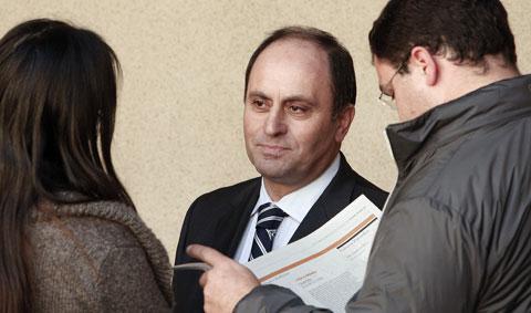 Domingos Névoa antes da leitura da sua sentença que o condenaria por corrupção 23 de Fevereiro de 2009 em Lisboa. Foto de TIAGO PETINGA/LUSA