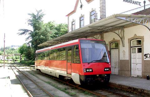 Estação de Amarante na linha do Tâmega. Os pequenos comboios vermelhos também circulavam na linha do Corgo.