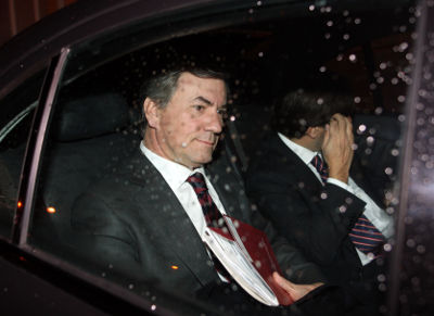 Armando Vara, eleito Vice-Presidente do BCP, à saída do edifício da Alfândega, no Porto, onde decorreu a assembleia geral de accionistas do BCP, o maior banco privado português, 15 de Janeiro de 2008. JOAO ABREU MIRANDA /LUSA