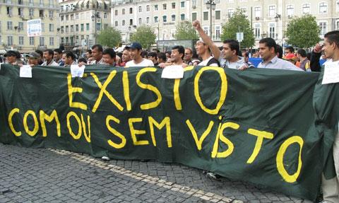Foto da mais recente manifestação de imigrantes em Portugal, contra a