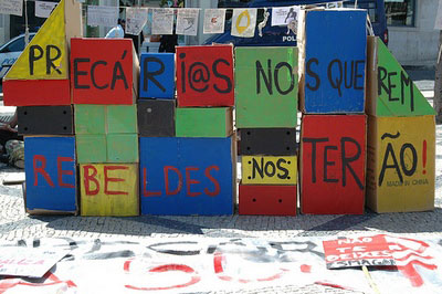 Professores das AEC do Porto estiveram reunidos e decidiram encetar forma de luta