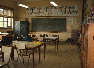 Educação: em relação a outros países desenvolvidos, Portugal está no mesmo ponto de partida de há 50 anos. Foto movimentoescolapublica.blogspot.com.