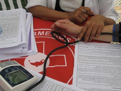 Enfermeiros em campanha - Foto de Paulete Matos