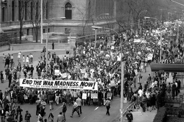 Protesto contra a guerra do Vietname em Nova York em abril de 68