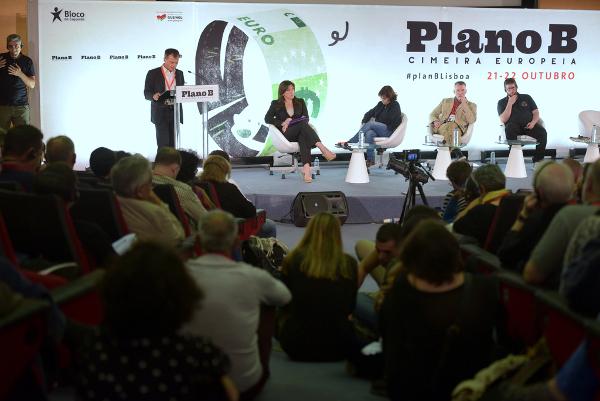 """Stefano Fassina defendeu a necessidade de """"pôr fim a novas integrações"""" europeias – Foto de Paulete Matos"""
