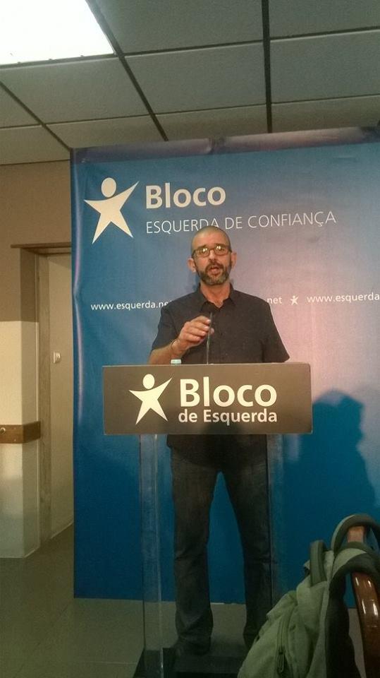 """Carlos Guedes salientou: """"Ajudámos de forma decisiva (...) a que se iniciasse o realojamento de várias famílias nas Terras da Costa"""""""