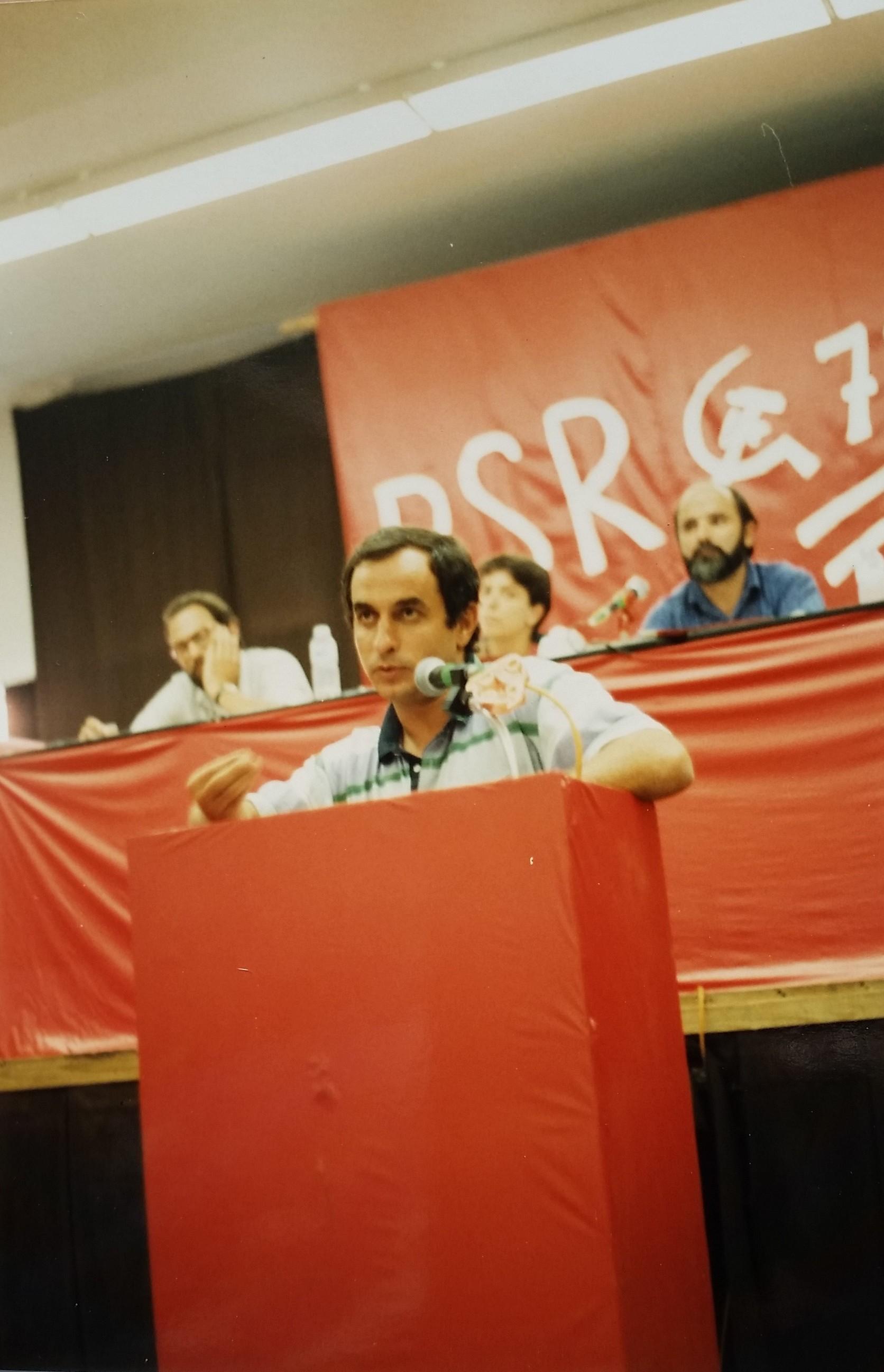 Congresso do PSR em 1990, com Miguel Graça em segundo plano. Foto de João Louçã.