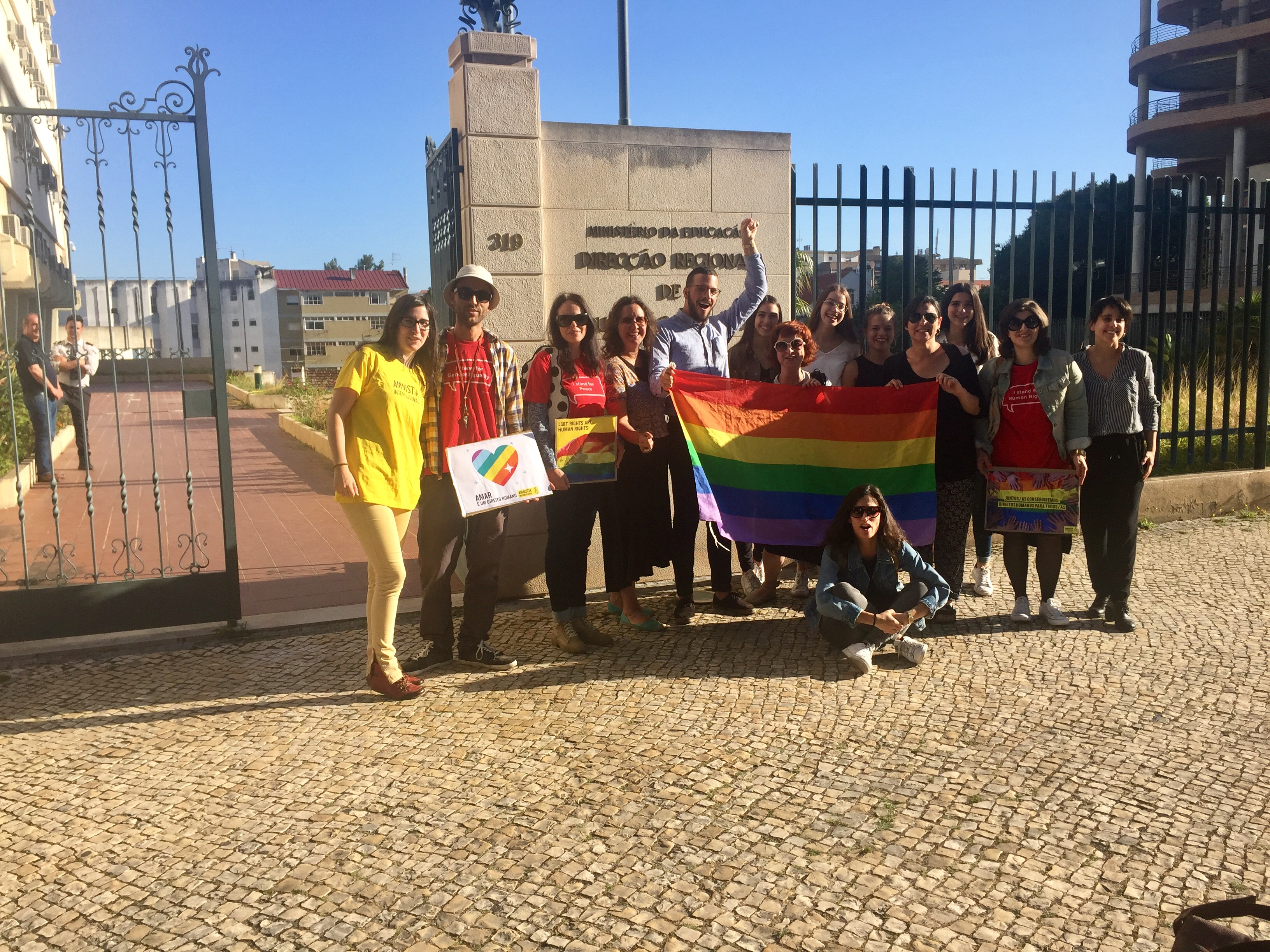 #EscolaSemHomofobia em Coimbra, do facebook de Ana Brito Akto.