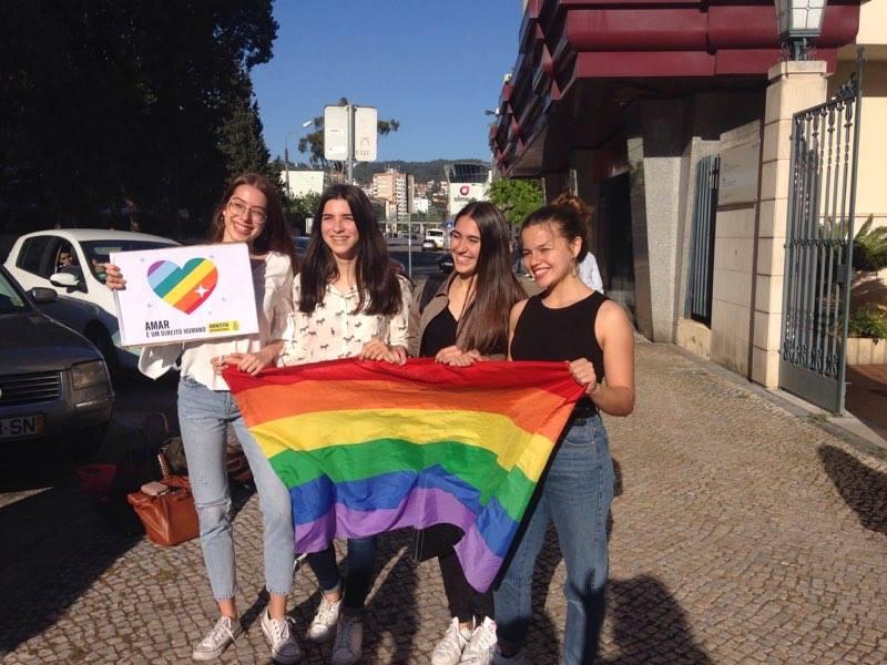 #EscolaSemHomofobia em Coimbra, do facebook de Fernanda Belizario.
