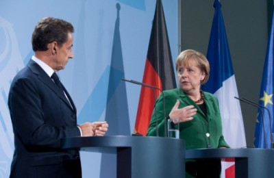 Sarkozy e Merkel, Berlim, 9 de Outubro de 2011 – Foto Joerg Carstensen/Epa/Lusa