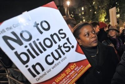 Não a cortes de biliões - Defende o nosso Estado social - manifestação contra plano de austeridade do Governo britânico
