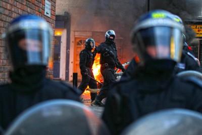 Agentes da polícia britânica em Hackney, norte de Londres. Foto Kerim Okten/LUSA/EPA.