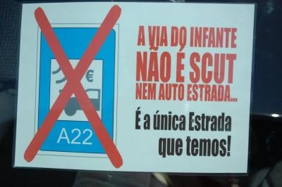 """Foto de """"Algarve-Portagens-na-A22-NÃO"""" no facebook"""