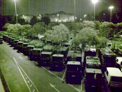 Camiões de transporte de lixo no parque dos Olivais em Lisboa - Foto de Ricardo Robles