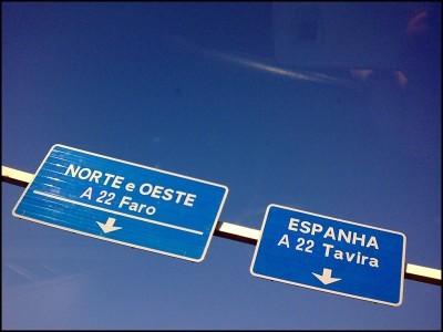 Com as portagens na A22 - Via Infante, até há organismos do Estado a proibir o uso das suas viaturas na antiga SCUT. Foto zone41/Flickr
