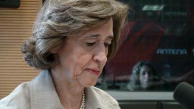 Depois da suspensão da democracia, Ferreira Leite defende suspensão da hemodiálise para idosos...