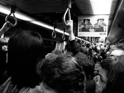 Já não é preciso andar de metro em hora de ponta para viajar como sardinha enlatada.