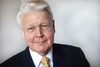 """O presidente islandês afirmou que os grandes bancos e as agências de notação financeira """"não podem agora dizer que não têm nenhuma culpa""""."""