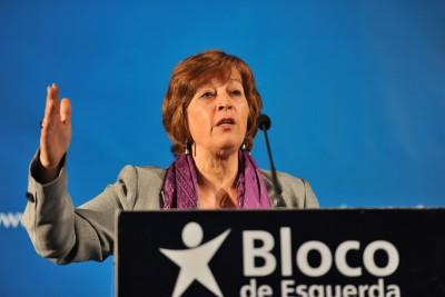 """Mariana Aiveca acusa o Governo de """"persistir numa receita que nos levará a um desastre anunciado""""."""