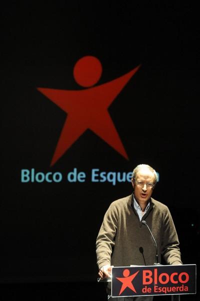 Louçã desafiou Passos Coelho a antecipar eleições para a democracia decidir sobre o novo empréstimo.