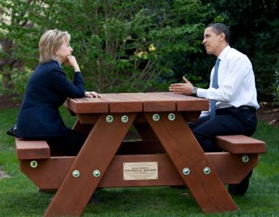 Obama e Hillary Clinton - Foto wikimedia