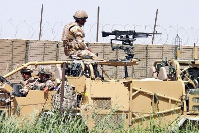 Tropas da NATO em Kandahar, 7 de Junho de 2010 – Foto de Humayoun Shiab/Epa/Lusa