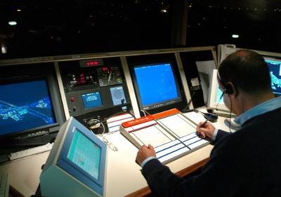 Centro de Controlo de Tráfego Aéreo de Lisboa da NAV Portugal, no aeroporto de Lisboa. Foto de Manuel de Almeida/Lusa