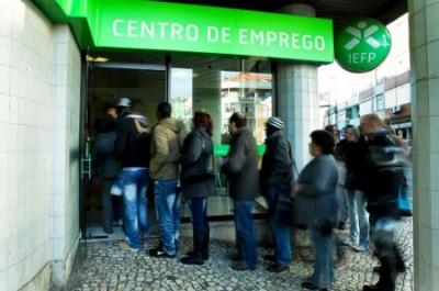 Neste dia 1 de abril entra em vigor a lei que reduz a duração e o montante do subsídio de desemprego - Foto de Miguel A. Lopes/Lusa