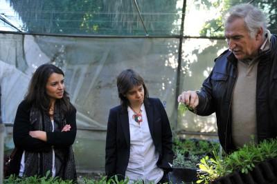 Catarina Martins e Ana Drago durante a visita a uma empresa que gasta mais em juros à banca do que em salários. //Foto Paulete Matos