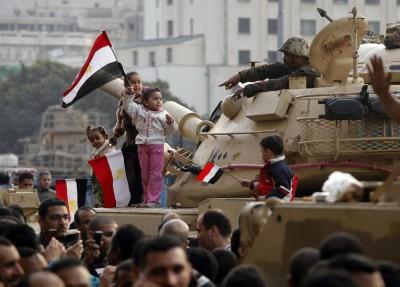 Disputa entre Irmandade Muçulmana e militares gera tensão no Egito