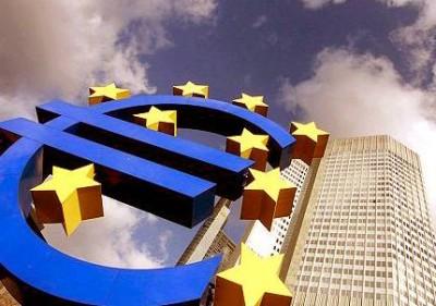 """A """"receita"""" de Krugman para evitar o colapso do euro é a Alemanha aceitar injetar, de forma indireta, créditos públicos nos """"gigantes"""" da Itália e de Espanha, com garantias para a dívida dos países ou, caso contrário, será o fim do euro."""