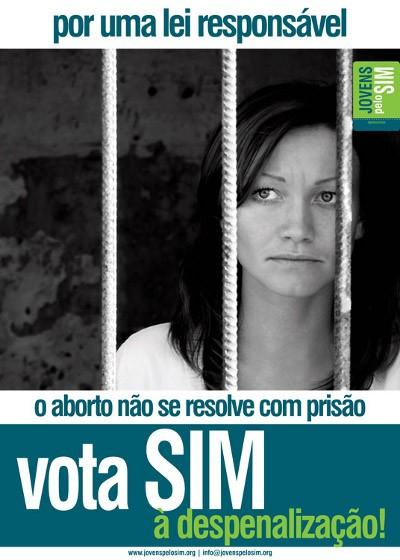 Passos Coelho quer rever lei do aborto e admite novo referendo
