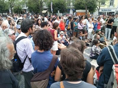 """Imagens da """"Acampada"""" de Lisboa logo após as intervenções das forças de segurança."""