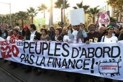 10.000 manifestantes percorreram as ruas de Nice, protestando contra as políticas de austeridade e lançando o Fórum dos Povos face ao G20.