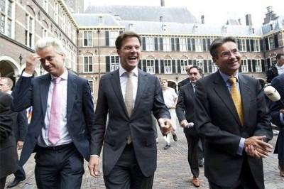 Líderes do governo de direita da Holanda que caiu nesta segunda feira: Wilders (extrema direita), Mark Rutte (primeiro ministro liberal) e Verhagen (democracia cristã)